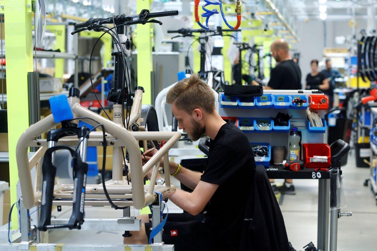 V Nemčiji primanjkuje kvalificiranih delavcev med drugim na področjih mehatronike, računalništva, elektronike in kovinarstva. Foto: Reuters