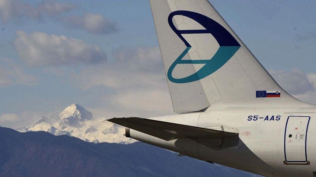 Vlada po treh mesecih še vedno ni uradno sporočila svoje odločitve o tem, ali namerava ustanoviti novo podjetje, stečajni upravitelj pa medtem prodaja, kar je ostalo od nekdanjega nacionalnega ponosa Adrie Airways. Foto: BoBo