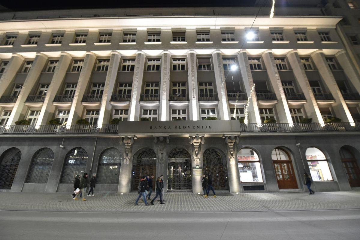 Sporni zakon določa, da naj bi se odškodnine poplačale iz prihodnjih dobičkov Banke Slovenije. Foto: BoBo