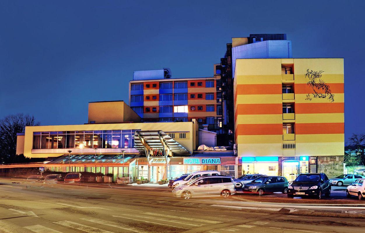Hotel Diana stoji v središču Murske Sobote, ima 150 postelj in zaposluje približno 50 ljudi. Foto: Facebook Hotel Diana