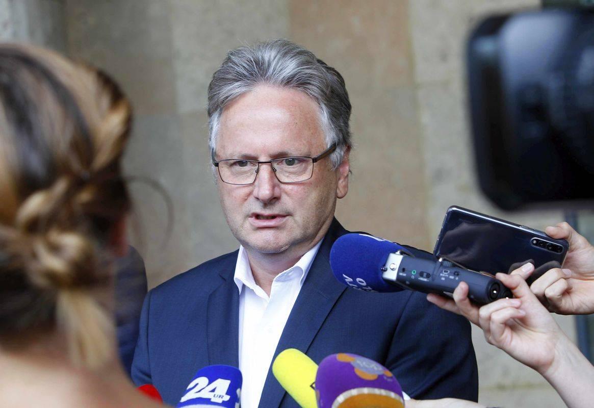 Direktor družbe 2TDK Dušan Zorko je napovedal, da bodo sledili odločitvi revizijske komisije. Foto: BoBo