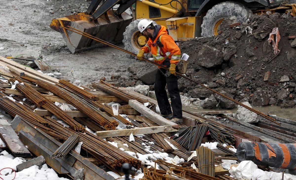 Gradbeništvo spada med panoge, kjer zaupanje akterjev pada. Foto: Reuters