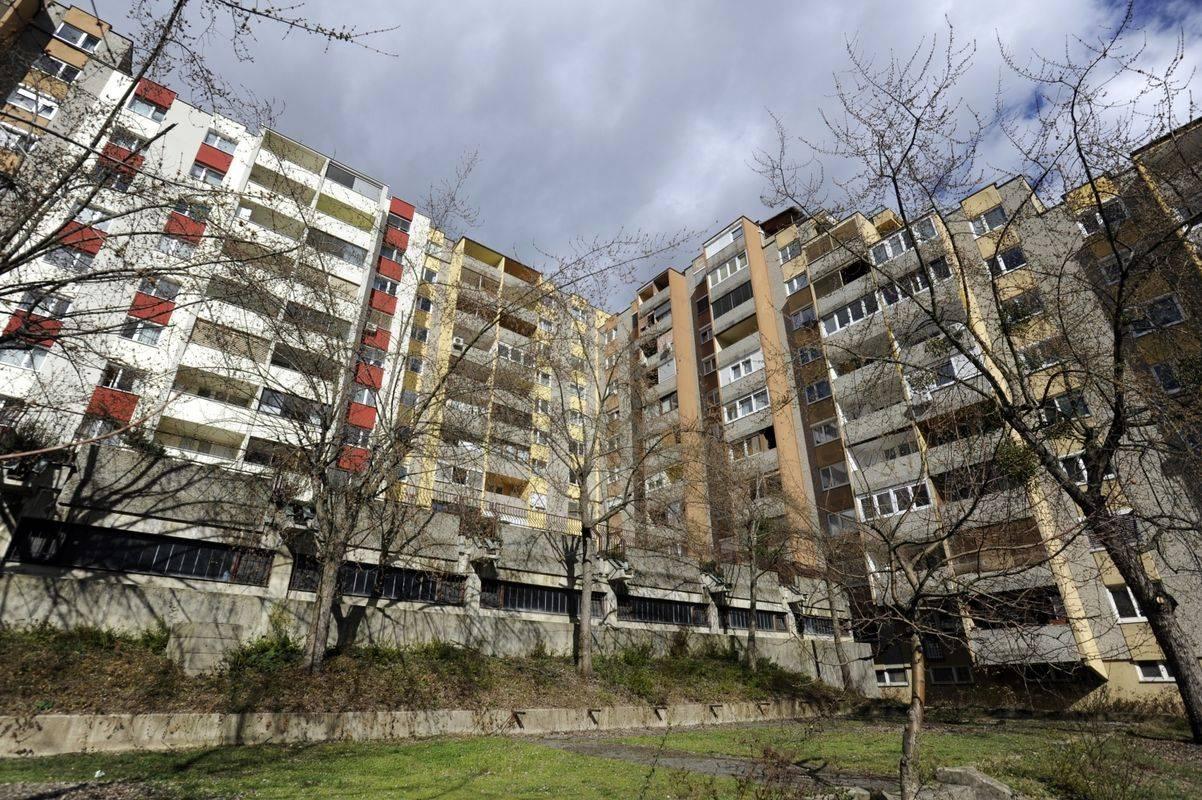 V Ljubljani kronično primanjkuje novih stanovanj za t. i. srednji razred, saj se večimoma gradijo luksuzne soseske. Foto: BoBo