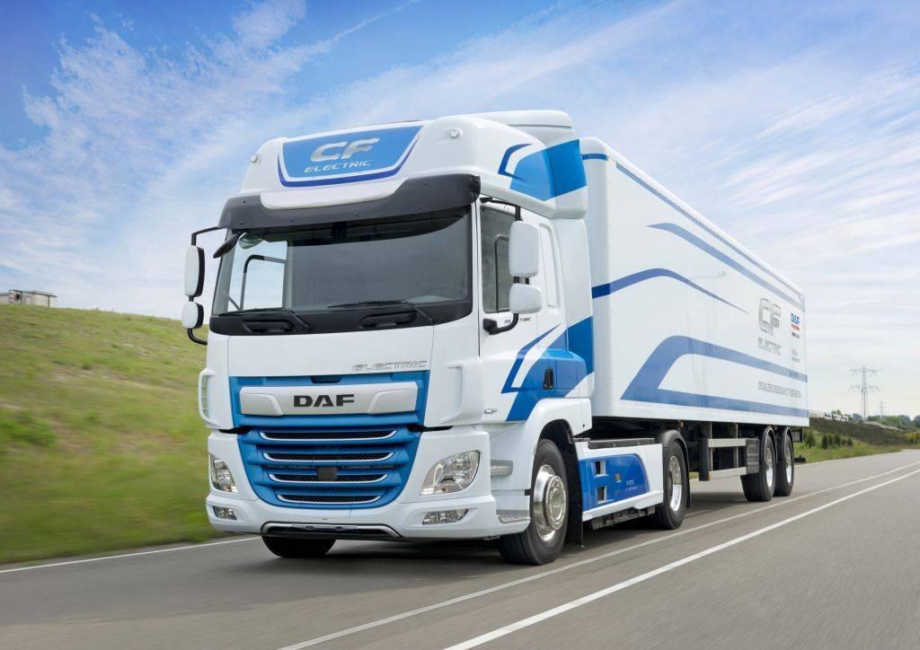 Evropska komisija je proizvajalcem tovornih vozil MAN, Daimler, DAF, Iveco in Volvo/Renault naložila 2,9-milijardno kazen. Foto: MMC RTV SLO/DAF