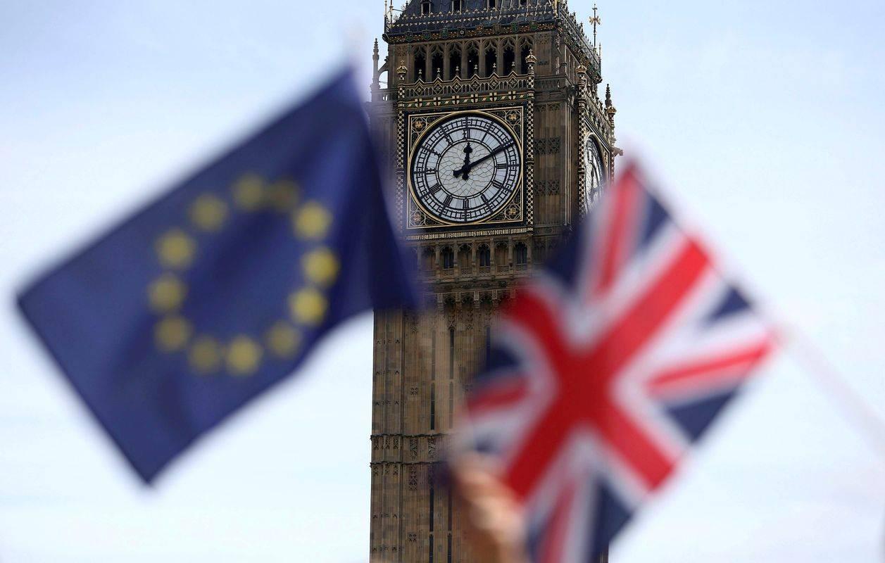 Po podatkih za leto 2018 so slovenska podjetja v Združeno kraljestvo izvozila za 577 milijonov evrov blaga in storitev, vrednost uvoza pa je bila 441 milijonov evrov. Foto: Reuters