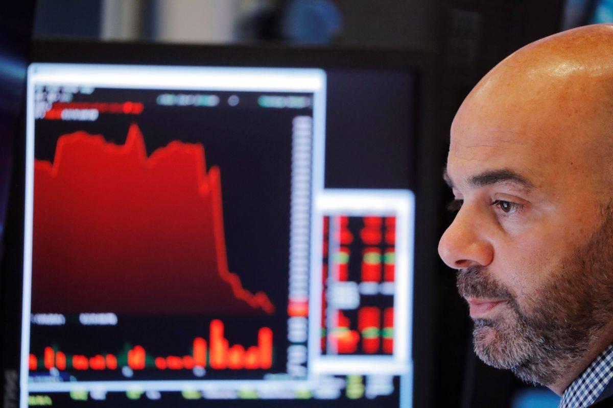 Novi koronavirus je svet obrnil na glavo, takšnega šoka gospodarstvo ne pomni. Po pesimističnem scenariju bi lahko slovenski BDP padel za več kot deset odstotkov, kar pomeni, da bi bila kriza hujša kot po zlomu banke Lehman Brothers 2008. Foto: Reuters