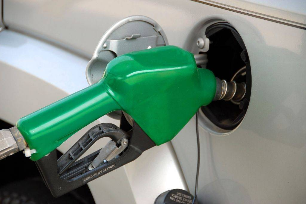 Poln rezervoar za gorivo bo s torkom še cenejši. Foto: Pixabay