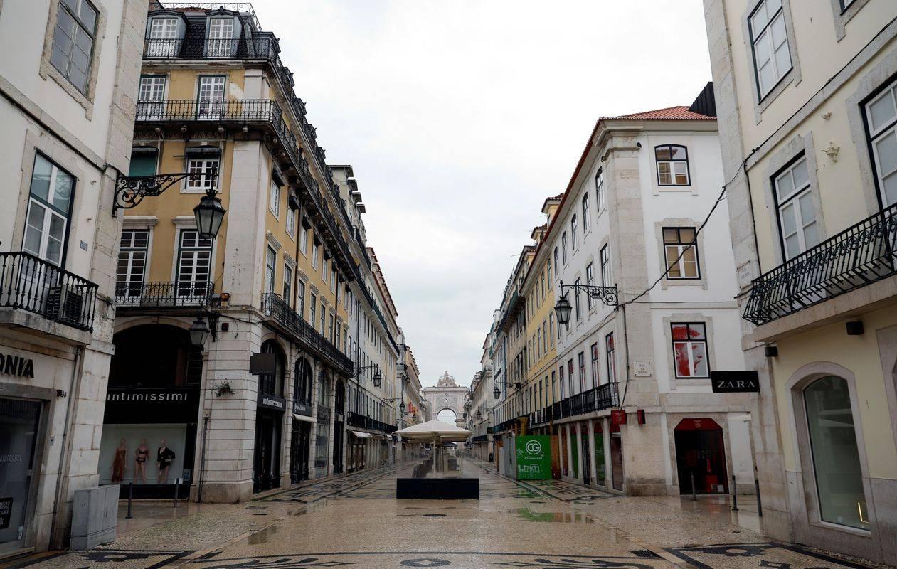 Pogled na prazne ulice Lizbone. Foto: Reuters