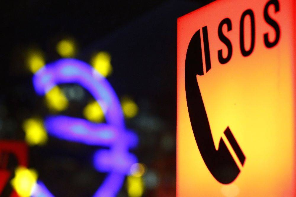 Evropska tiskarna denarja ECB je jabolko spora držav severa okoli Nemčije, ki pritiskajo na zavoro, in juga okoli Italije, ki si želijo skupnih evropskih obveznic – posledično še več milijard evrov. Foto: Reuters