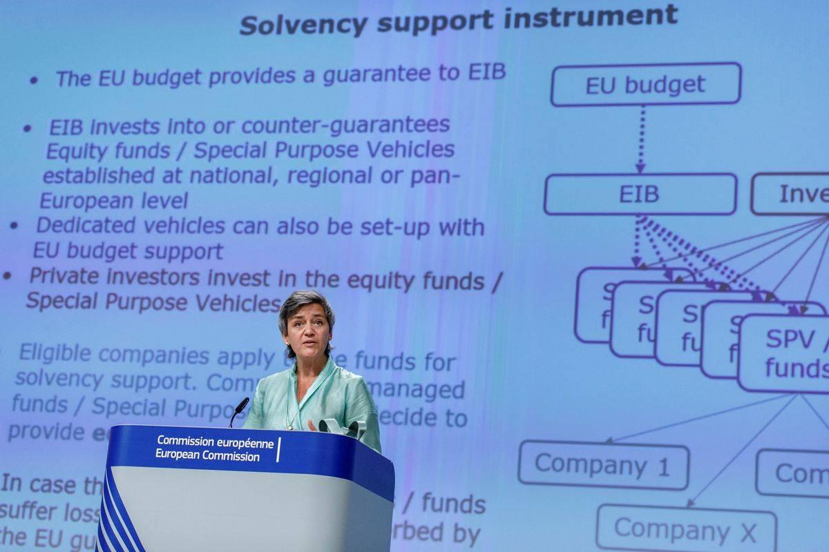 Podpredsednica komisije Margrethe Vestager predstavlja instrument za zagotavljanje solventnosti podjetjem. Foto: Reuters