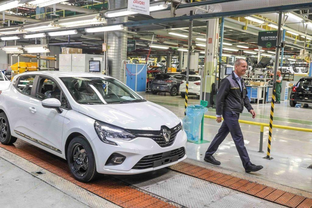Revoz proizvaja modele Clio, Twingo in električni Smart Forfour. Največ avtomobilov izvozijo v Francijo, Nemčijo in Italijo. Foto: MMC RTV SLO/Saša Despot