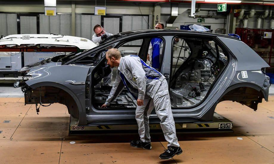 Manipuliranje z izpusti je Volkswagen doslej stalo 31 milijard evrov odškodnin. Foto: EPA