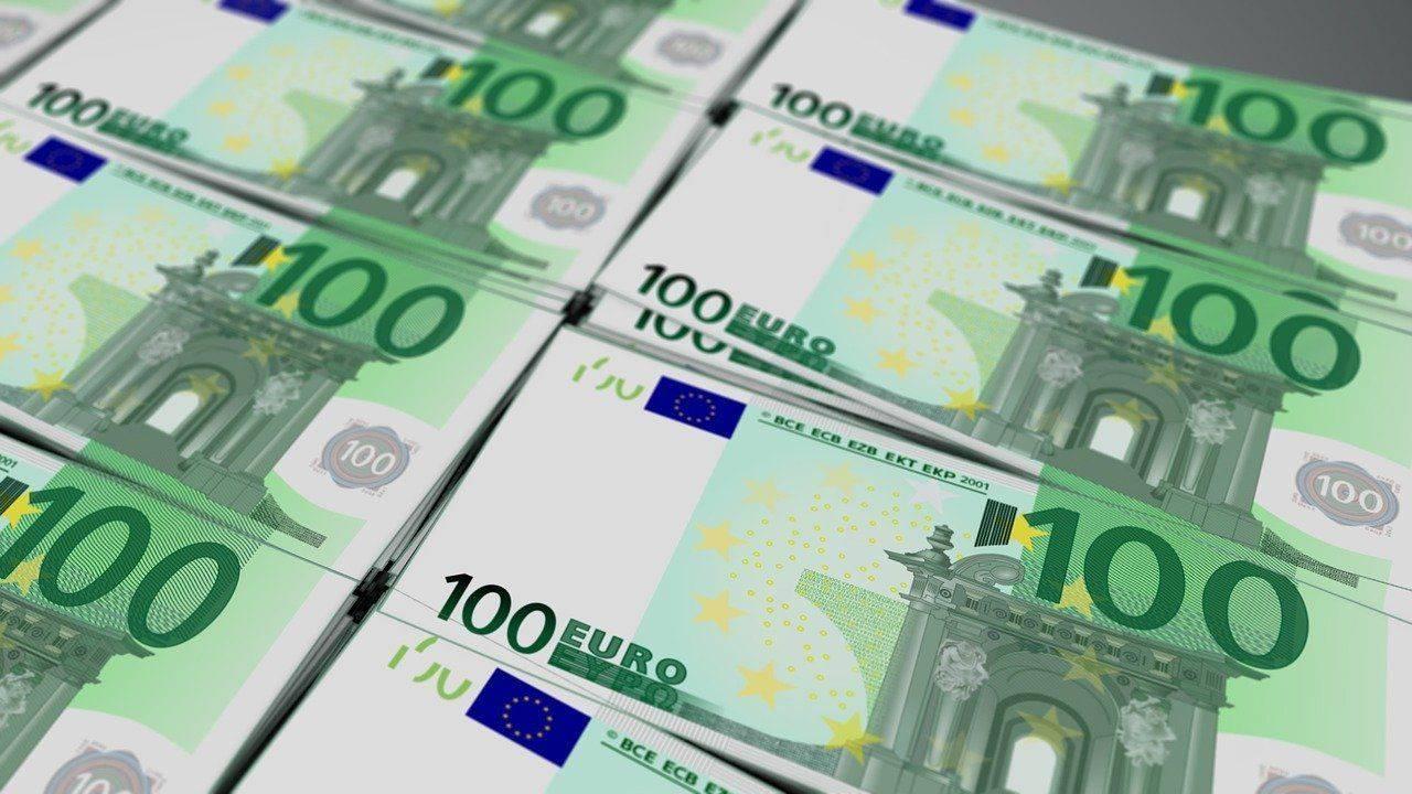 Denar za dopust razburja, še preden je podeljen. Foto: Pixabay