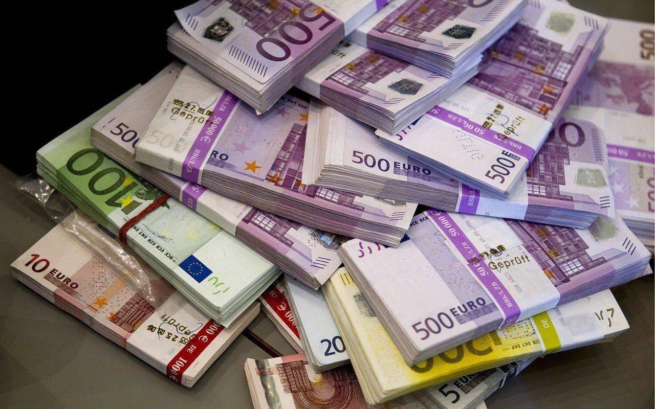 Slovenske javne finance so lani ustvarile 260 milijonov evrov oz. 0,5 odstotka BDP-ja presežka, kar je manj kot leto prej in tudi pol manj od načrtovanega. Foto: Pixabay