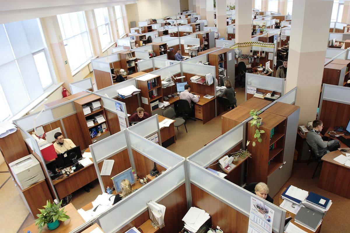 Ukrep začasnega čakanja na delo je bil od začetka epidemije uveljavljen za več kot 300.000 delovnih mest. Foto: Pixabay