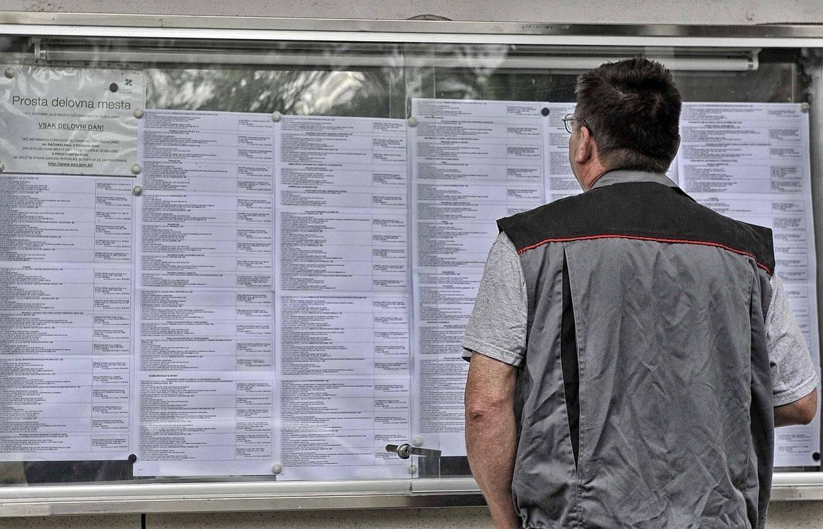 Po treh mesecih rasti števila brezposelnih se je zdaj na trgu pojavilo več prostih delovnih mest. Foto: BoBo