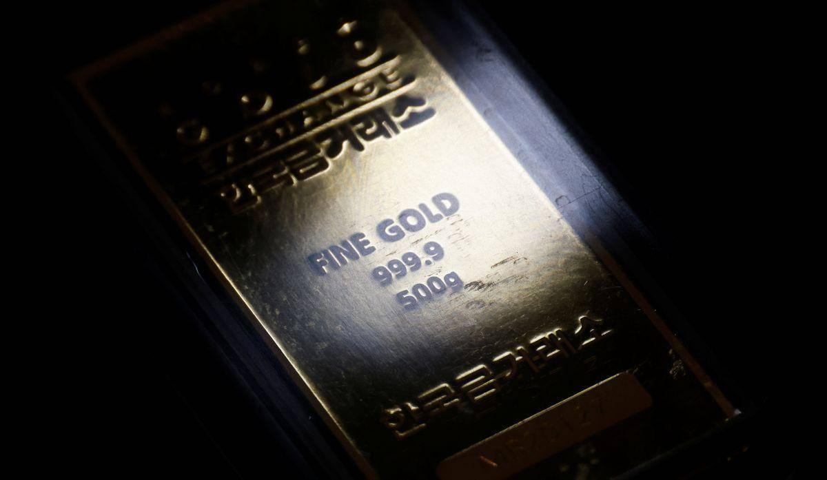 Vrednost zlata se je zanesljivo zavihtela nad mejo 2000 dolarjev za unčo. Foto: Reuters