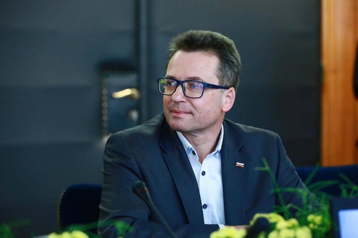 Černač je minister brez resorja, pristojen za razvoj in kohezijsko politiko. Foto: DZ/Matija Sušnik