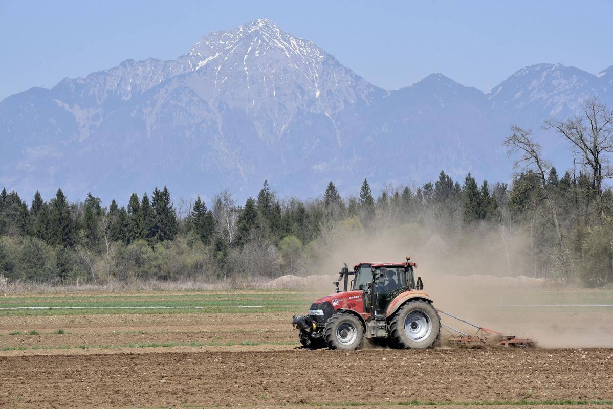 Kmete razburjajo nizke odkupne cene pridelkov. Foto: BoBo