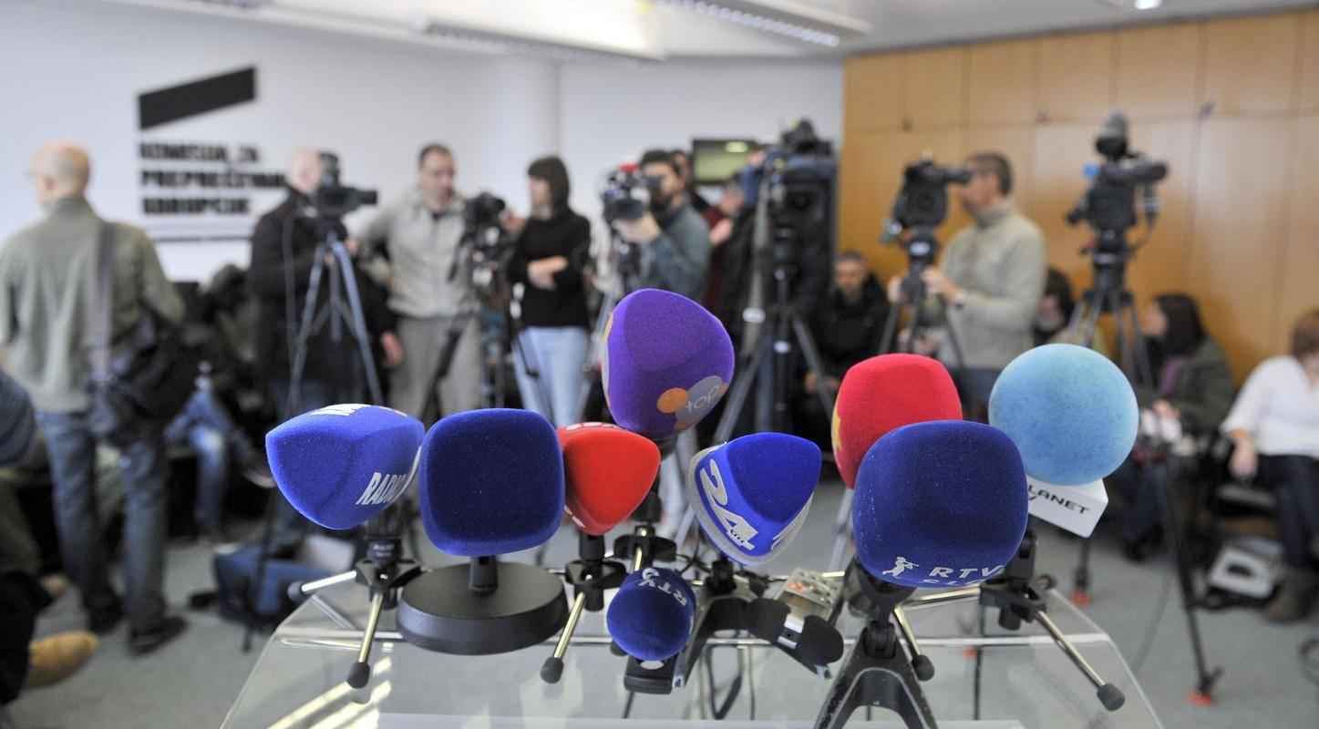 Predlagane spremembe zakona o medijih bi po oceni oglaševalske zbornice povzročile gospodarsko škodo nekaterim osrednjim televizijskim medijem in ukinile komercialne radijske mreže. Foto: BoBo
