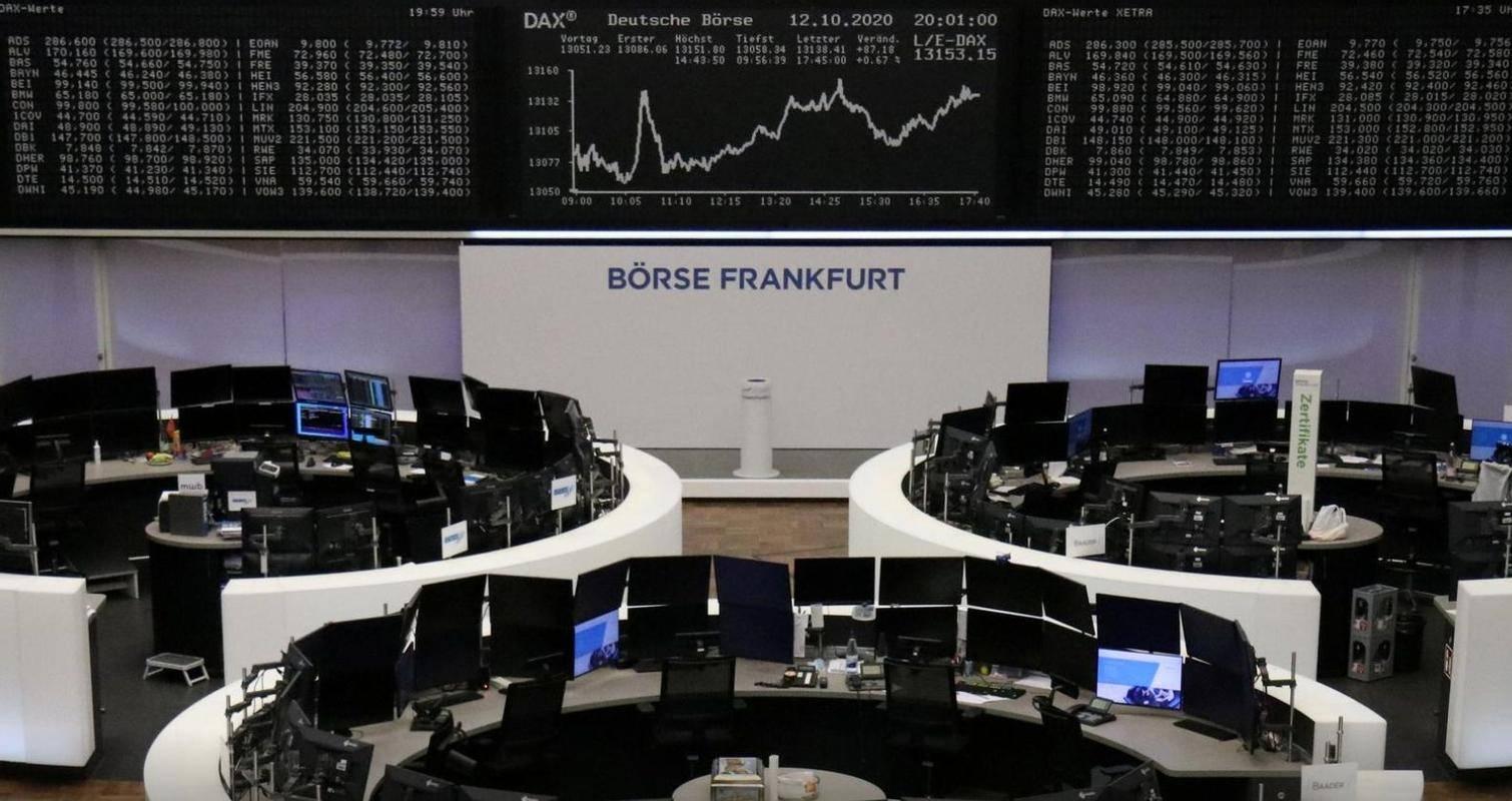 Frankfurtski delniški indeks DAX30 (13.018 točk) se je v torek znižal za skoraj odstotek, pri čemer so se največ, za 3,5 odstotka, pocenile Bayerjeve delnice. Foto: Reuters
