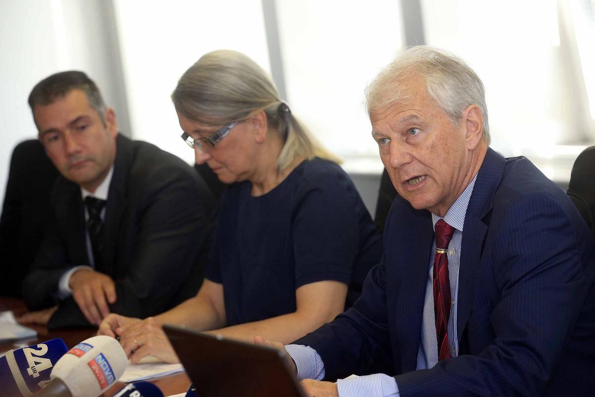 Načrtovani odhodki, tudi če ne upoštevamo stroškov za covid-19, so previsoki, je danes opozoril predsednik fiskalnega sveta Davorin Kračun. Foto: BoBo