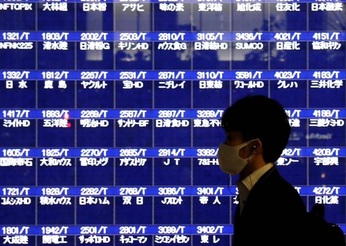 Japonsko gospodarstvo se je na letni ravni skrčilo za 28,1 odstotka. Foto: Reuters