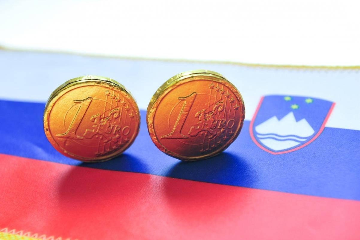 V prvem polletju se je slovensko gospodarstvo skrčilo za 8,3 odstotka, ugotavlja EBRD. Na drugi strani je brezposelnost narasla le malenkostno, na 4,7 odstotka Foto: BoBo