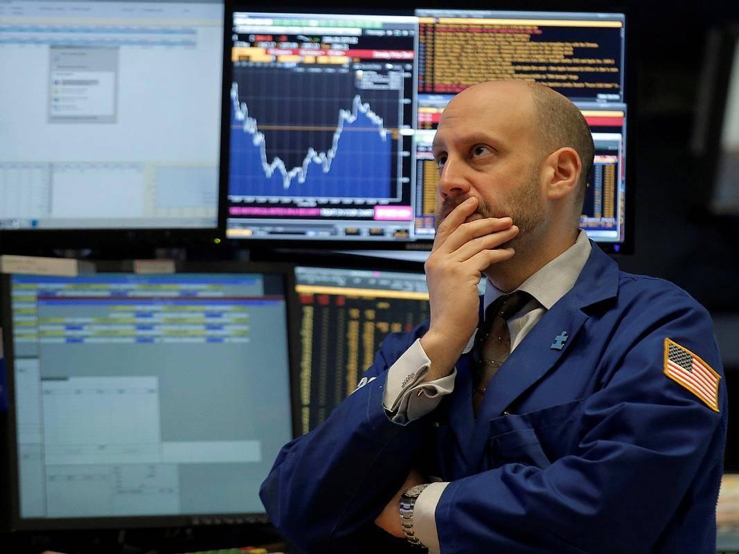Verjetno bo imela okužba ameriškega predsednika le kratkoročen vpliv na trg, navsezadnje je 22. novembra 1963 po atentatu na Kennedyja S&P 500 resda zdrsnil za skoraj tri odstotke, borzo v New Yorku pa so zaprli dve uri prej, a so delnice že v dveh dneh nadoknadile izgube. Foto: Reuters