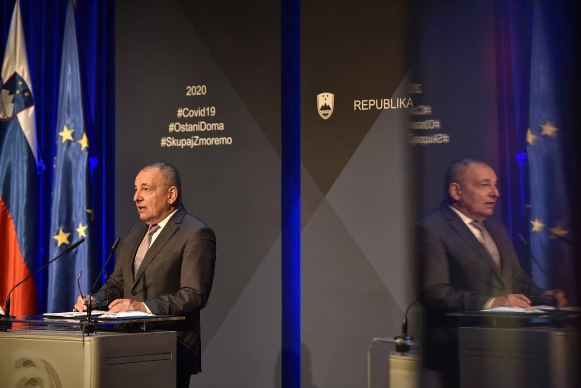 Šircelj se je udeležil srečanja evropskih finančnih ministrov prek telekonference. Foto: BoBo
