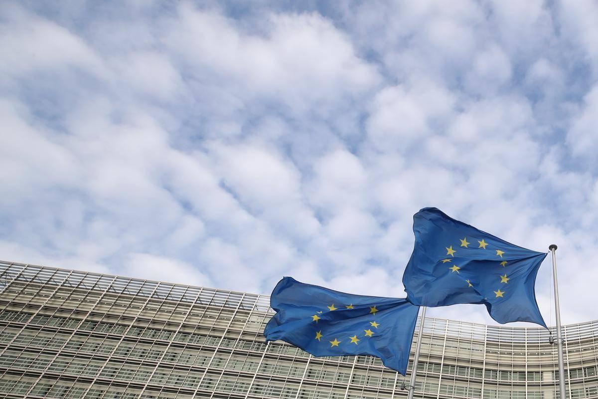 Evropska komisija je bila kritična do prvega slovenskega osnutka načrta za okrevanje. Foto: Reuters