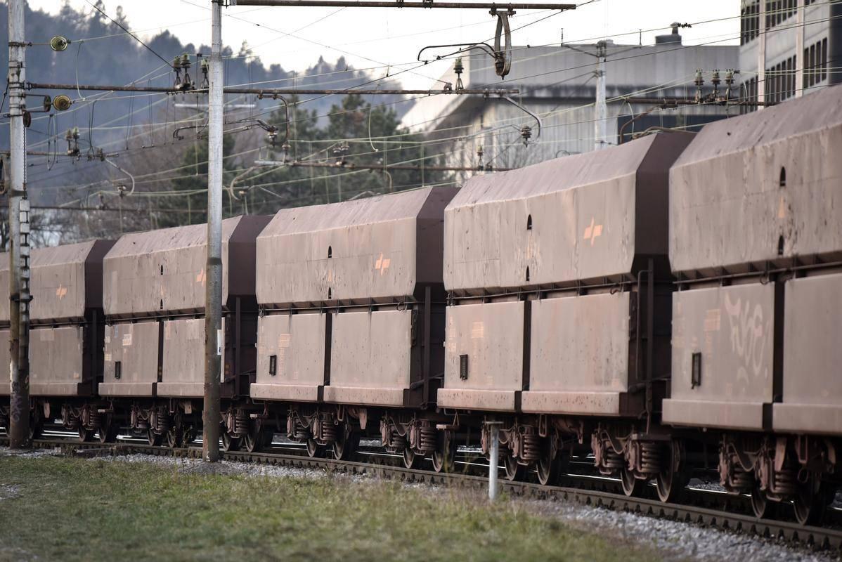 Pri kom natančno je bila okužba potrjena, na Slovenskih železnicah niso razkrili. Foto: BoBo