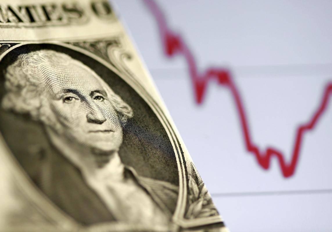 Vse bolj bo treba spremljati gibanje dolarja. Ameriška valuta je bila prejšnji teden na triletnem dnu, nato pa se je začela krepiti, kar ni dobro za delniške trge in prav tako ne za bitcoin, ki je tradicionalno pridobival predvsem v obdobju slabljenja ameriške valute. Vrednost evra je bila v torek zvečer 1,22 dolarja. Foto: Reuters