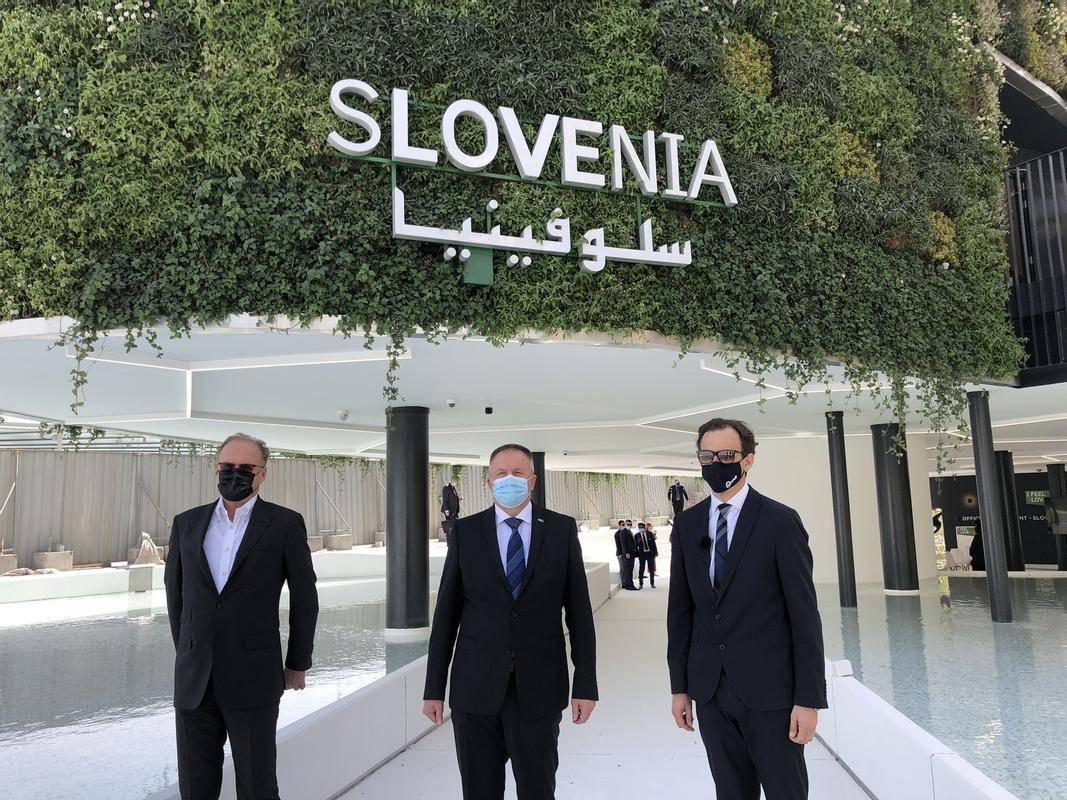 Minister Zdravko Počivalšek je slovesno prevzel slovenski paviljon na Expu 2020. Foto: Twitter Zdravko Počivalšek
