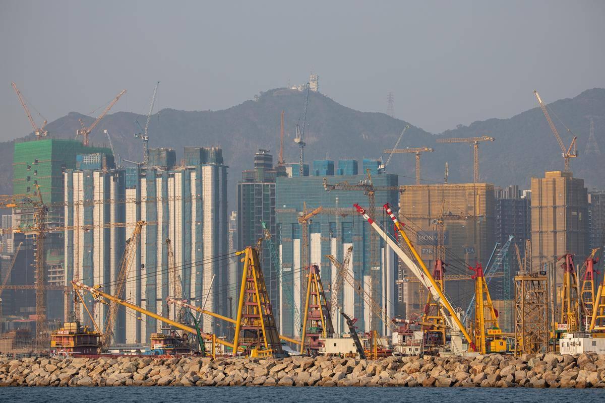 Kitajsko gospodarstvo je edino izmed velikih svetovnih gospodarstev, ki je v pandemičnem letu 2020 raslo. Foto: EPA