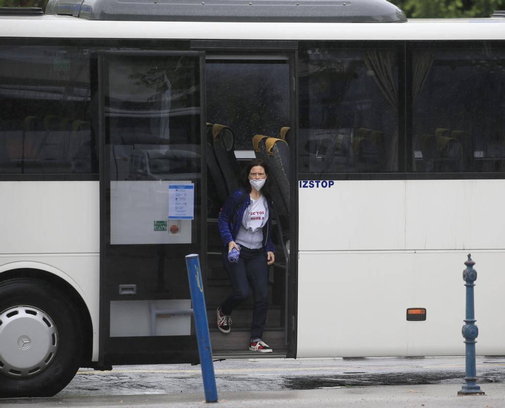 V Sindikatu voznikov avtobusov menijo, da je obvezno tedensko testiranje voznega in spremljevalnega osebja