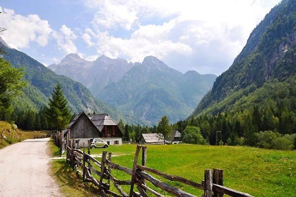 Na poti okrevanja se bo slovenski turizem srečeval s številnimi izzivi, v prvi vrsti s preživetjem podjetij in ohranitvijo čim večjega števila delovnih mest, opozarjajo na STO-ju. (Fotografija je simbolična.) Foto: ThinkSlovenia