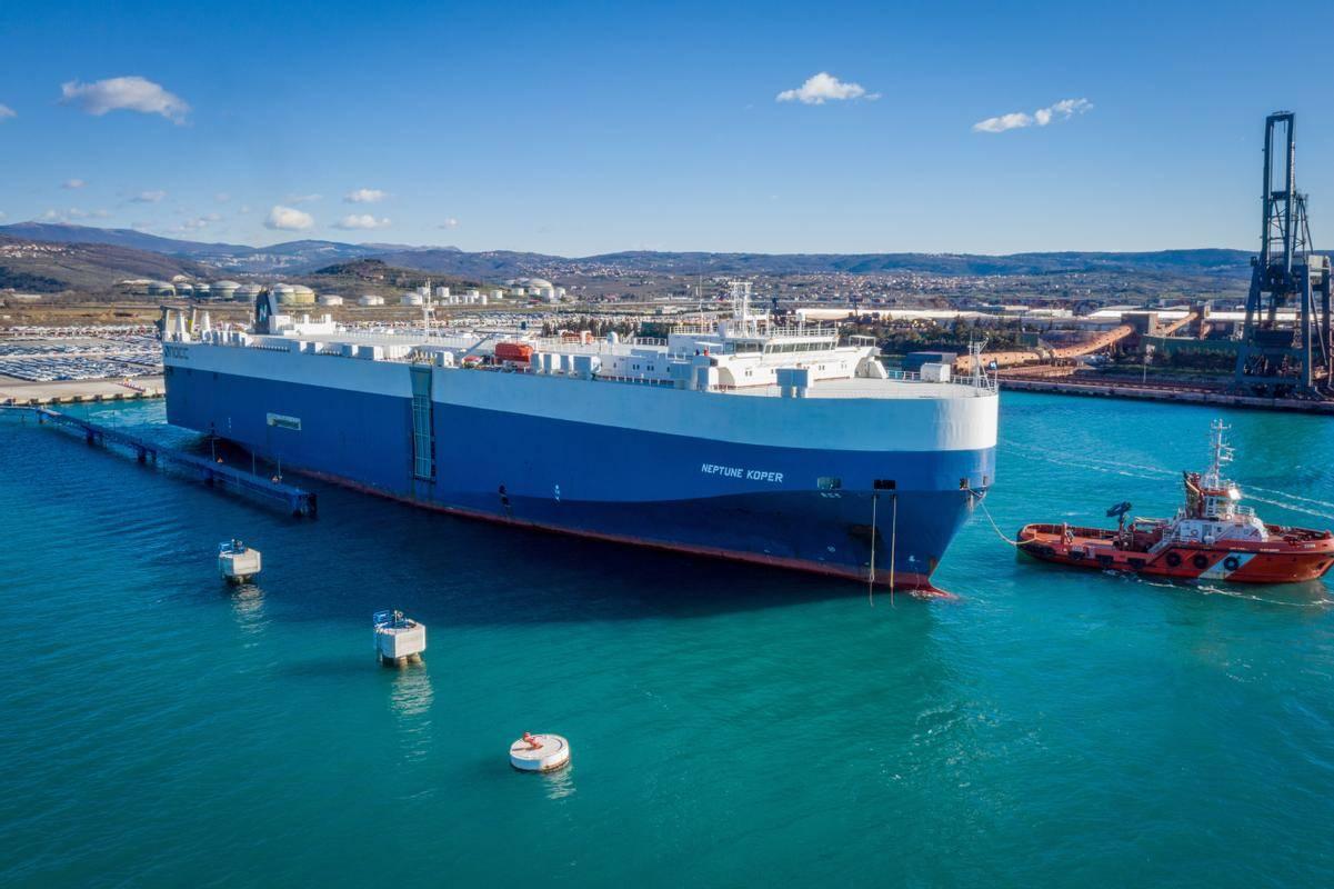 Po letu 2012, ko je Splošna plovba prodala svojo ladjo za razsute tovore z imenom Koper, je to edina tovorna ladja s tem imenom. Foto: Luka Koper/Kristjan Stojaković