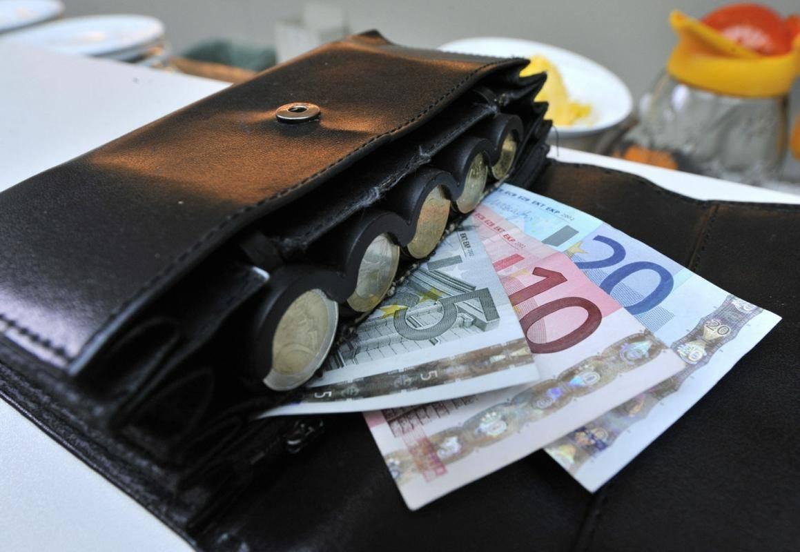 Po zadnjih uradnih podatkih je bilo v Sloveniji februarja registriranih 88.051 brezposelnih, na 11. marca pa je bila ta številka po začasnih podatkih pri 85.159. Foto: BoBo