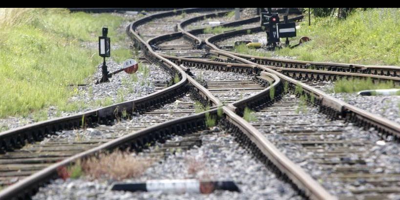 Fiskalni skald ugotavlja, da na področju trajne mobilnosti izstopa zaostajanje pri kakovosti železniške infrastrukture. Foto: BoBo