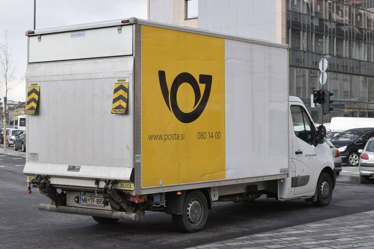 Ali smo na Pošti Slovenije priča nastajanju podobnega poslovnega modela, kot je bil dolga leta uporabljen v Luki Koper? Foto: BoBo