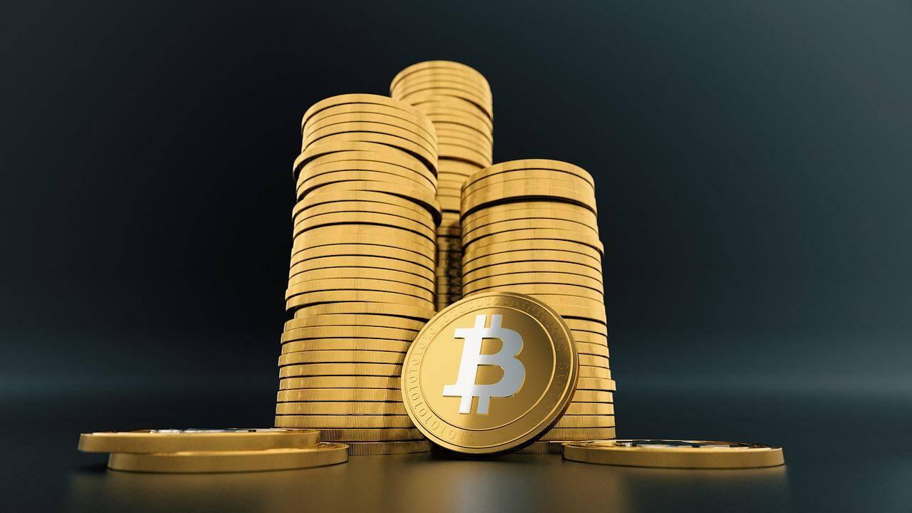 Če kupite za 10.000 evrov bitnih kovancev in jih prodate za 11.000, dobiček znaša 1000 evrov, davek pa 1100 evrov – po predlogu Fursa. Foto: Pixabay