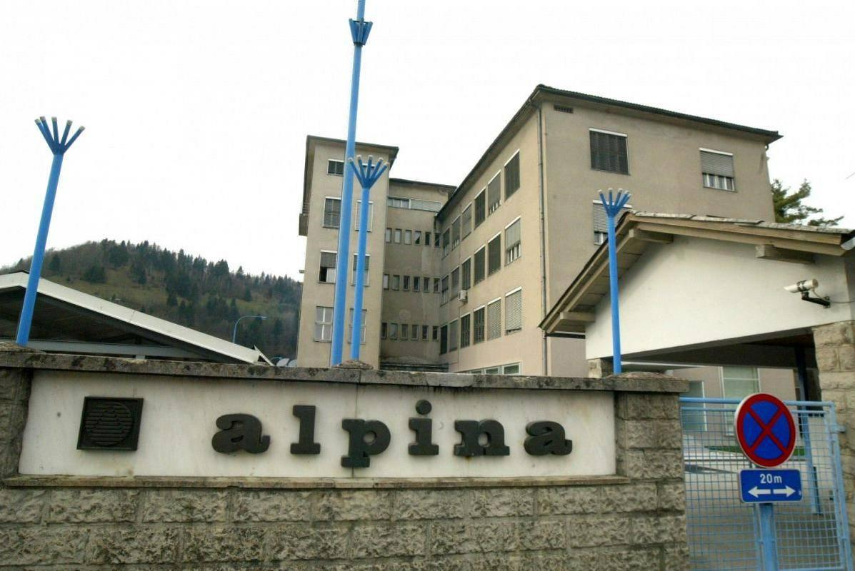 Alpina, potem ko je pripojila drobnoprodajno mrežo, v Žireh zaposluje 412 ljudi, v celotni skupini pa je 1210 zaposlenih. Foto: BoBo