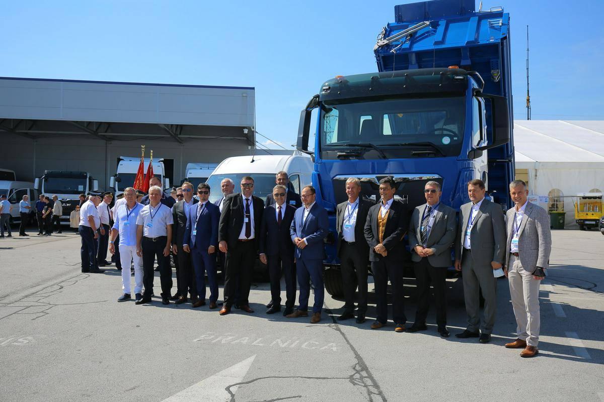 Avtoprevozniki so na srečanju v Novem mestu opozorili na težave. Foto: Obrtno-podjetniška zbornica Slovenije