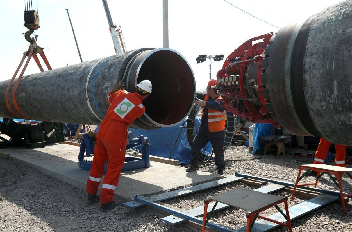 Družba Nord Stream 2 je sporočila, da so zavarili še zadnji del plinovoda v Nemčiji. Fotografija je simbolična. Foto: Reuters
