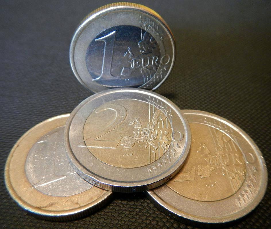 Iz Bruslja so Sloveniji nakazali prvih 231 milijonov evrov iz načrta za okrevanje. Foto: BoBo