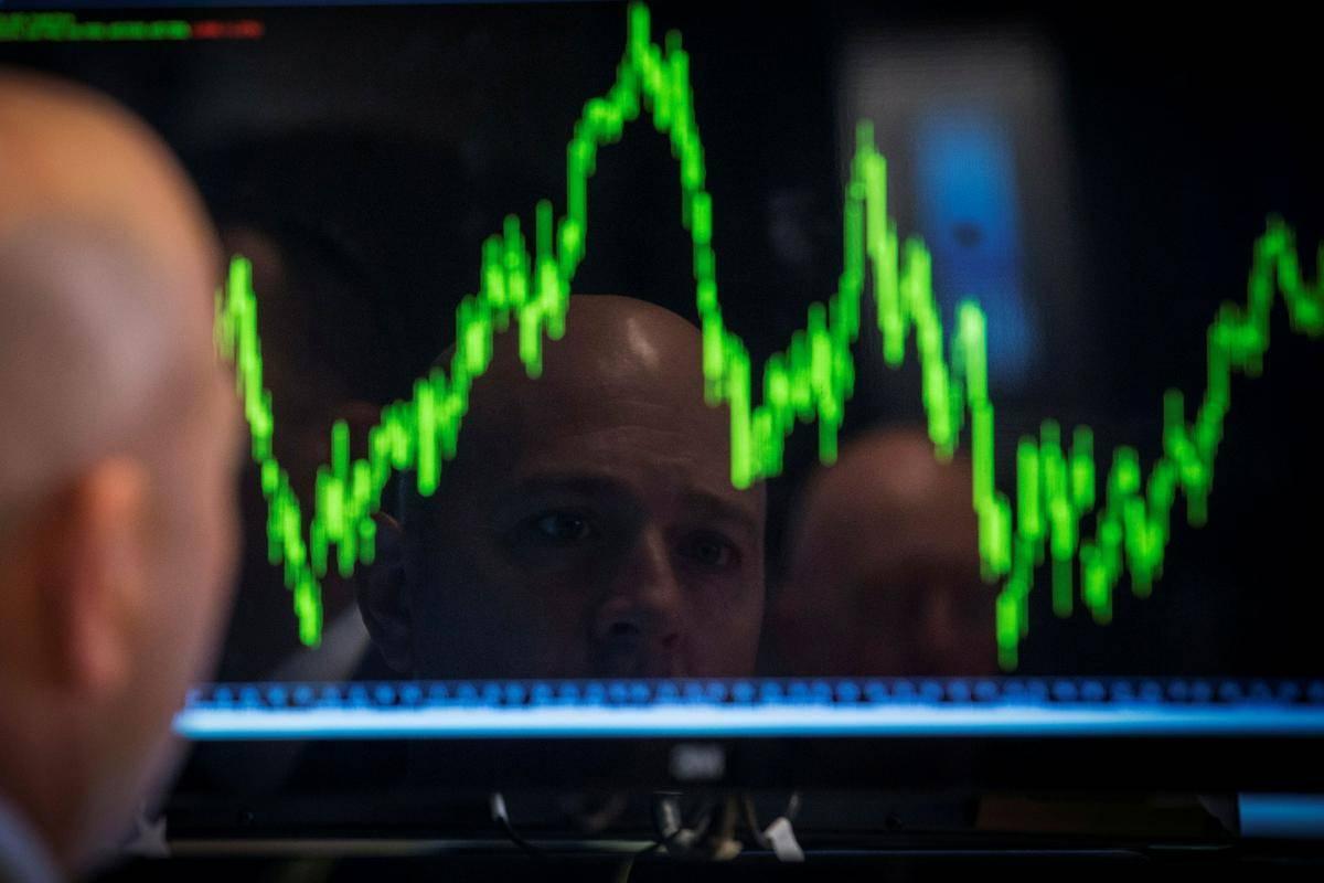 Letošnja rast delniških indeksov je bila do zdaj zelo lepa, indeks svetovnih delnic MSCI je za skoraj 20 odstotkov v plusu, newyorški S & P 500 pa za 16 odstotkov. A vse več je pomislekov, ali se tako izrazita bikovska gibanja lahko nadaljujejo, posebej ker se centralne banke pripravljajo na zaostrovanje denarne politike. Foto: Reuters